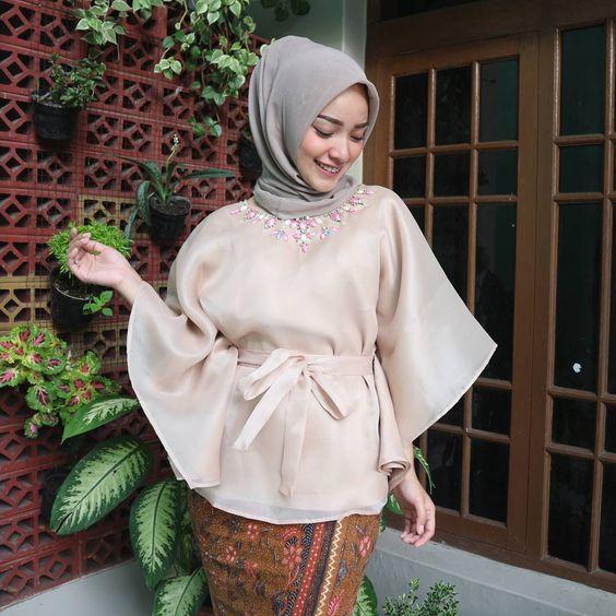 48 Model Baju Kebaya Muslim Modern dan Anggun - KlubWanita.com