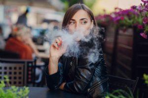 12 Bahaya Asap Rokok bagi Wanita yang Paling Mengerikan