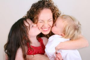 9 Cara Menjadi Ibu yang Baik Buat Anak Penting Dilakukan