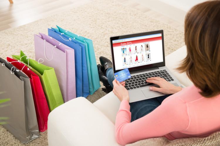 6 Tips Membeli Pakaian dari Online Shop