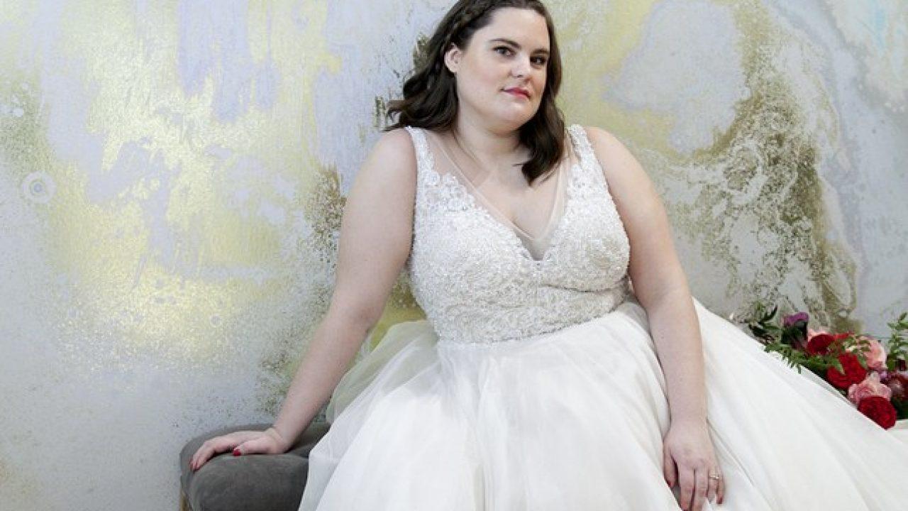 11 Tips Memilih Gaun Pengantin untuk Wanita Gemuk agar Terlihat