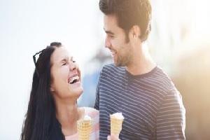 10 Cara Pria Dewasa Mengungkapkan Cinta Padamu