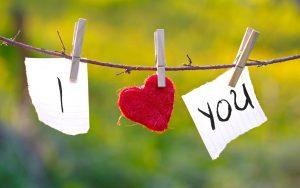7 Alasan Pria Jarang Mengumbar Kata Cinta di Media Sosial