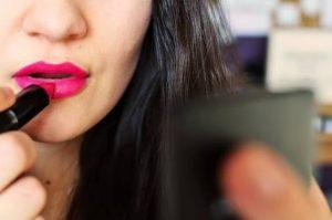 Ciri-ciri lipstik yang berbahaya
