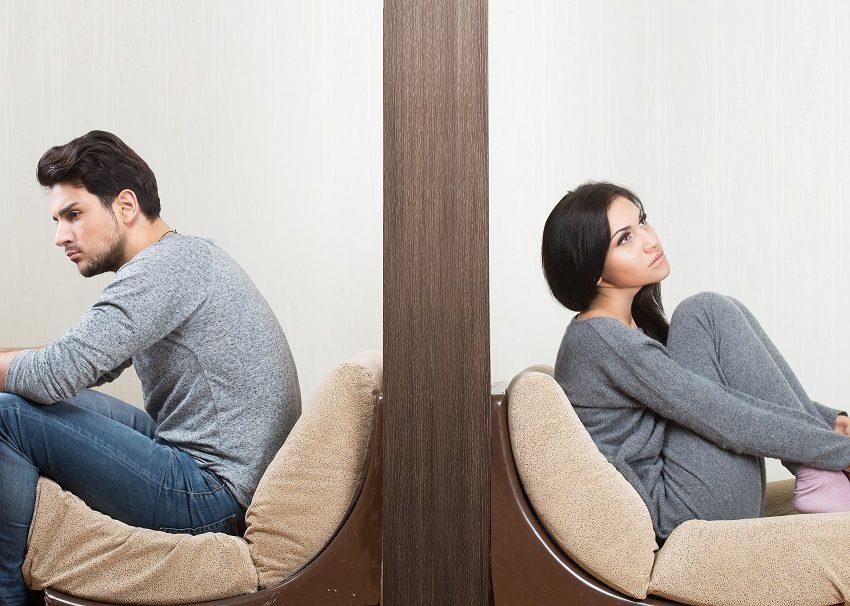 8 Alasan Pria Memendam Perasaan dari Wanita yang Dicintainya