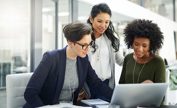 7 Alasan Menjadi Wanita Karir Sejak Usia Muda