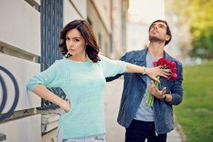 10 Cara Menjadi Wanita yang Tidak Murahan di Depan Para Pria
