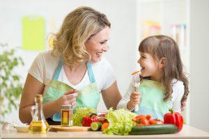 8 Cara Menghilangkan Kejenuhan Menjadi Ibu Rumah Tangga Saat Suami Bekerja