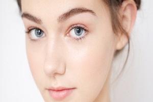 7 Cara Menggunakan Pelembab Wajah yang Benar dan Praktis