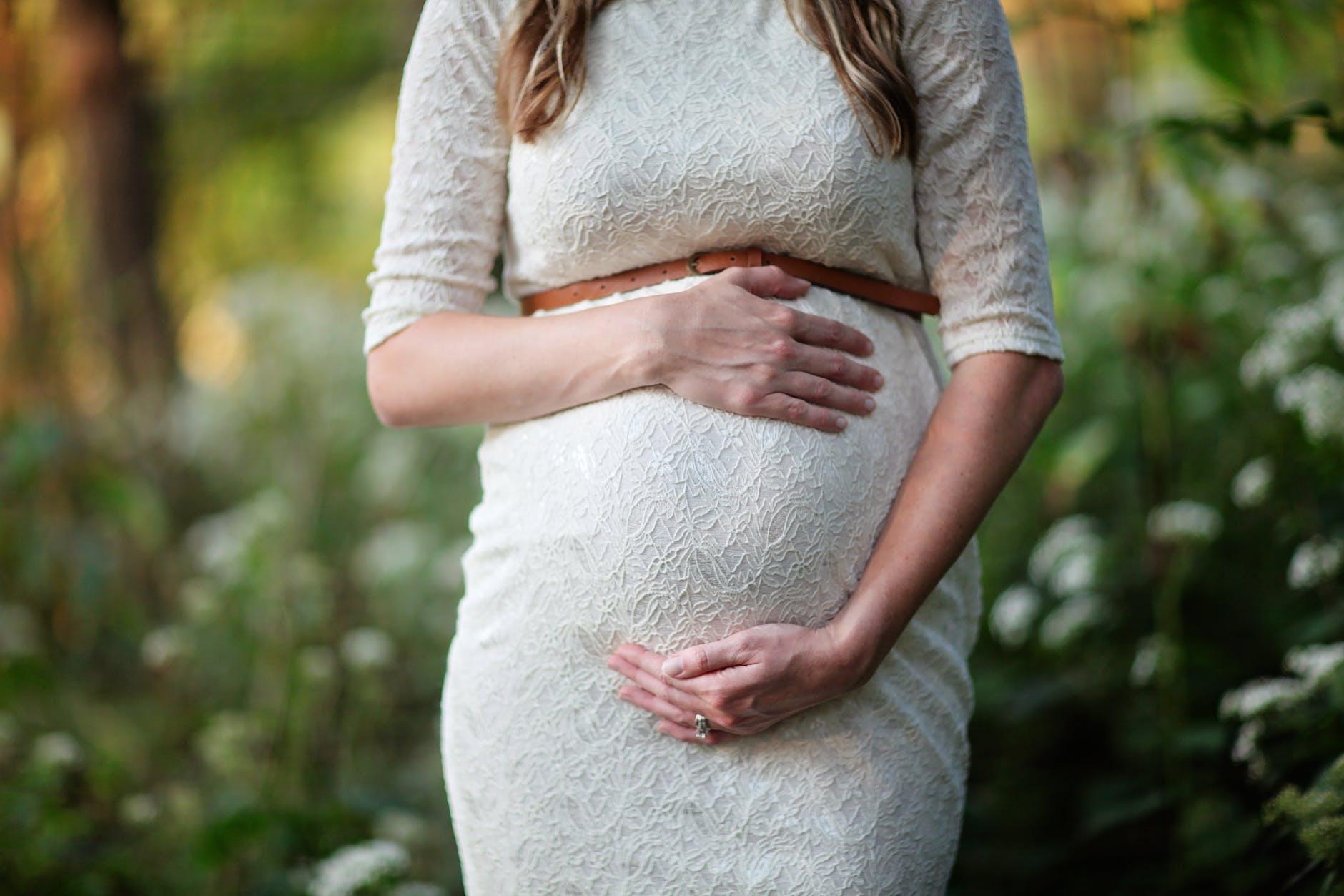 Kelebihan Wanita Hamil Berpuasa
